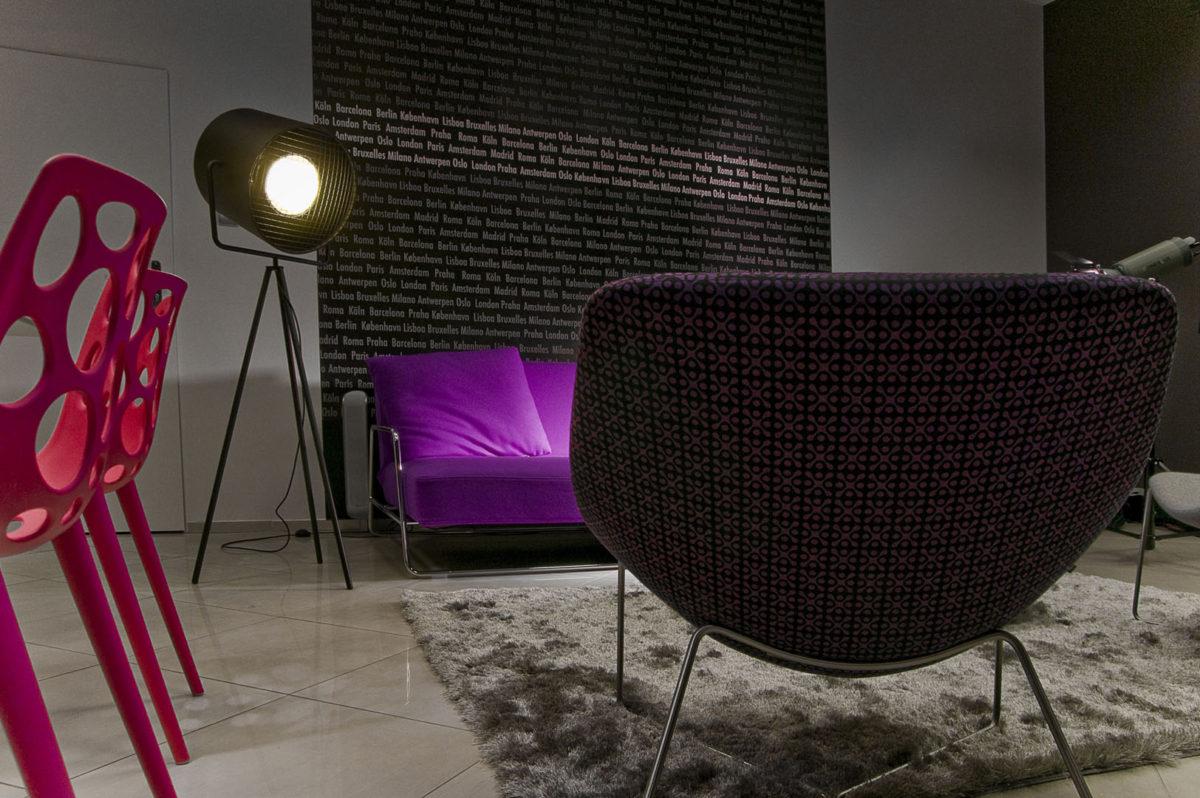 01 fotel krzesła lampa dywan sofa