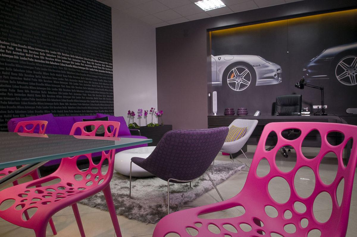 03 krzesła stół fotele sofa stolik biurko botel samochody