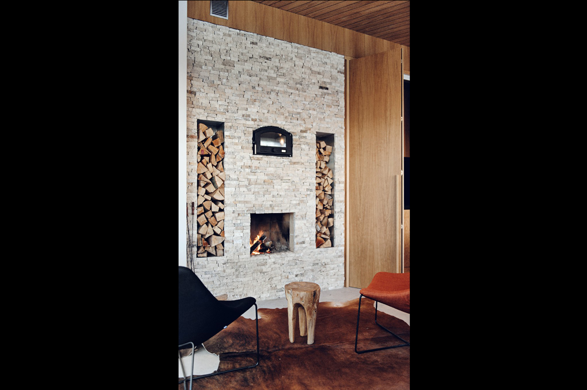02 kominek fotele skóra bydlęca drewno stołek